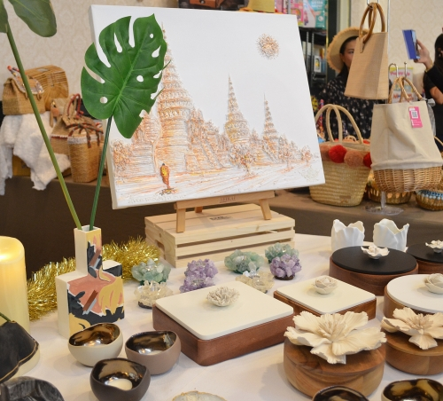 You will find everything you need to make your home beautiful, or make a gift to your friend at the Hope Fair! Including candle holders, vases, boxes, and even paintings!