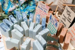 Natural handmade soaps and cosmetics made by artisans with love!