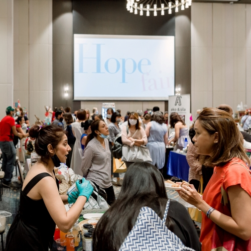 More than 150 Artisans & Creators participate to each off the Hope Fair events.