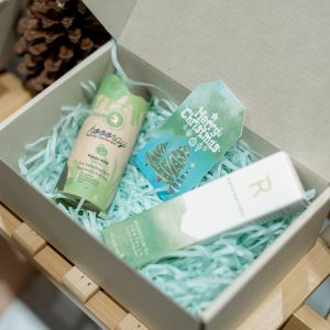 Nice gift boxes are available to please your loved ones